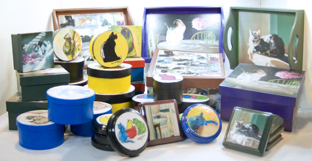 photo of keepsake boxes and coasters and trays