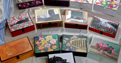 Marketplace: Felines and Flowers Vintage Cigar Box Keepsakes